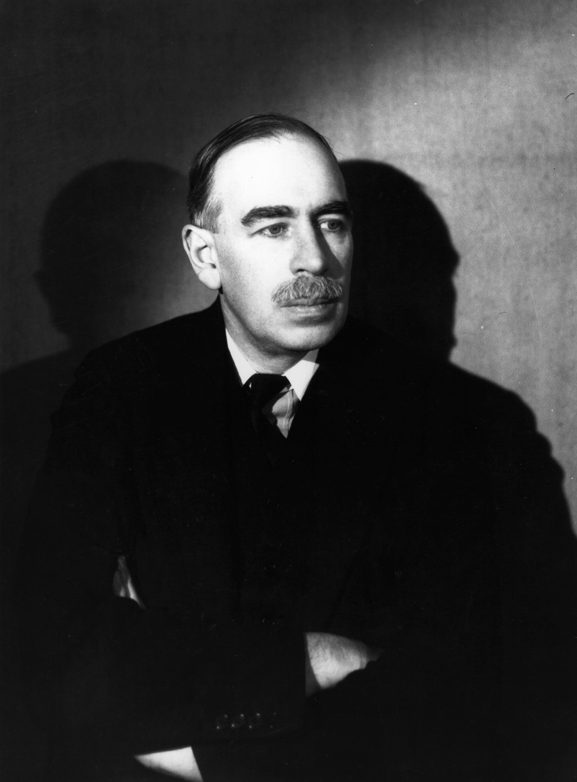 essays biography john maynard keynes 1951 reprint 354 pages no dust jacket this is an ex-library book black cloth with gilt lettering b&w frontispiece clean pages mild foxing and tanning to.