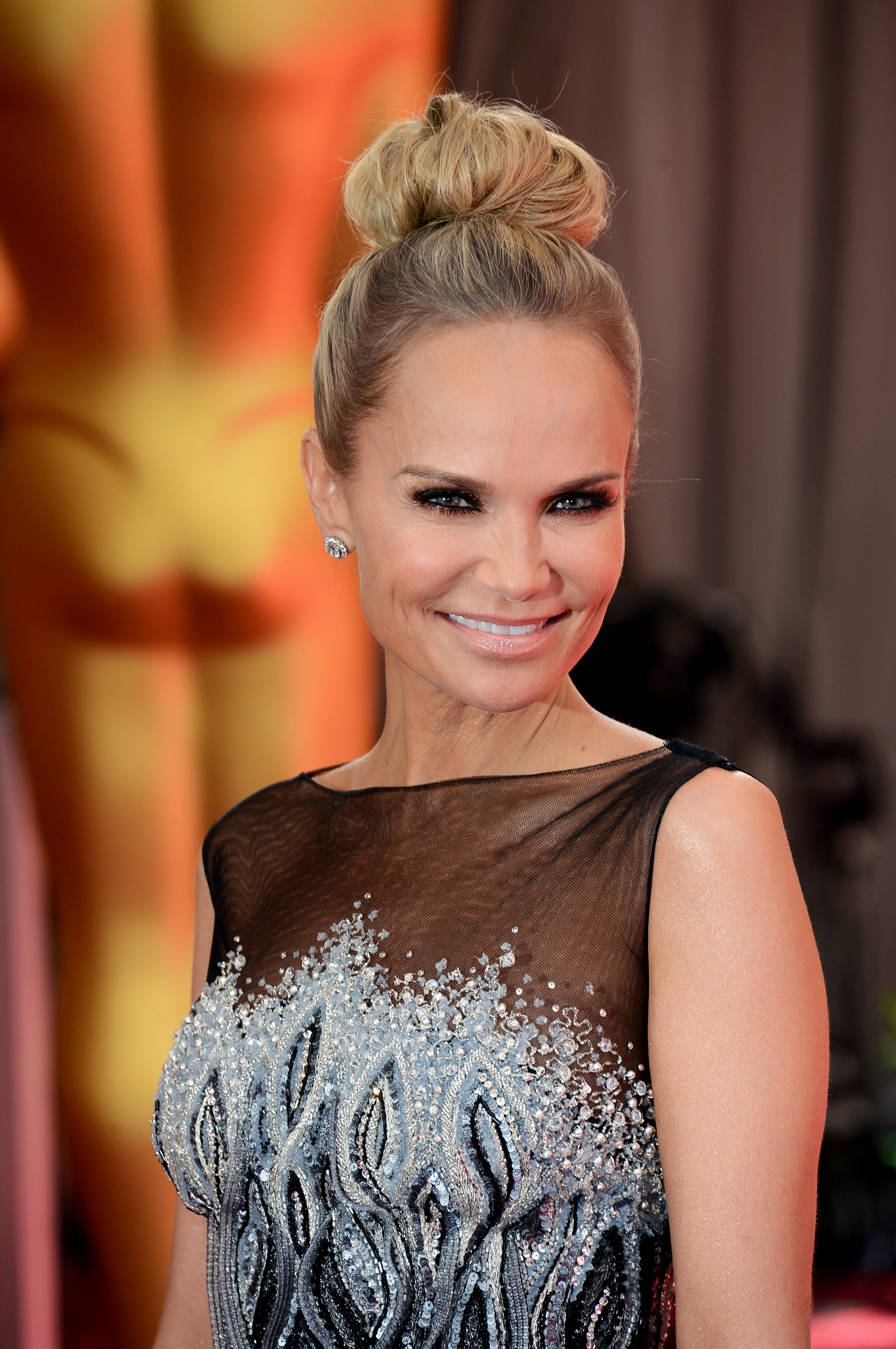 On Kristin Chenoweth Nude No 18 Size All 19