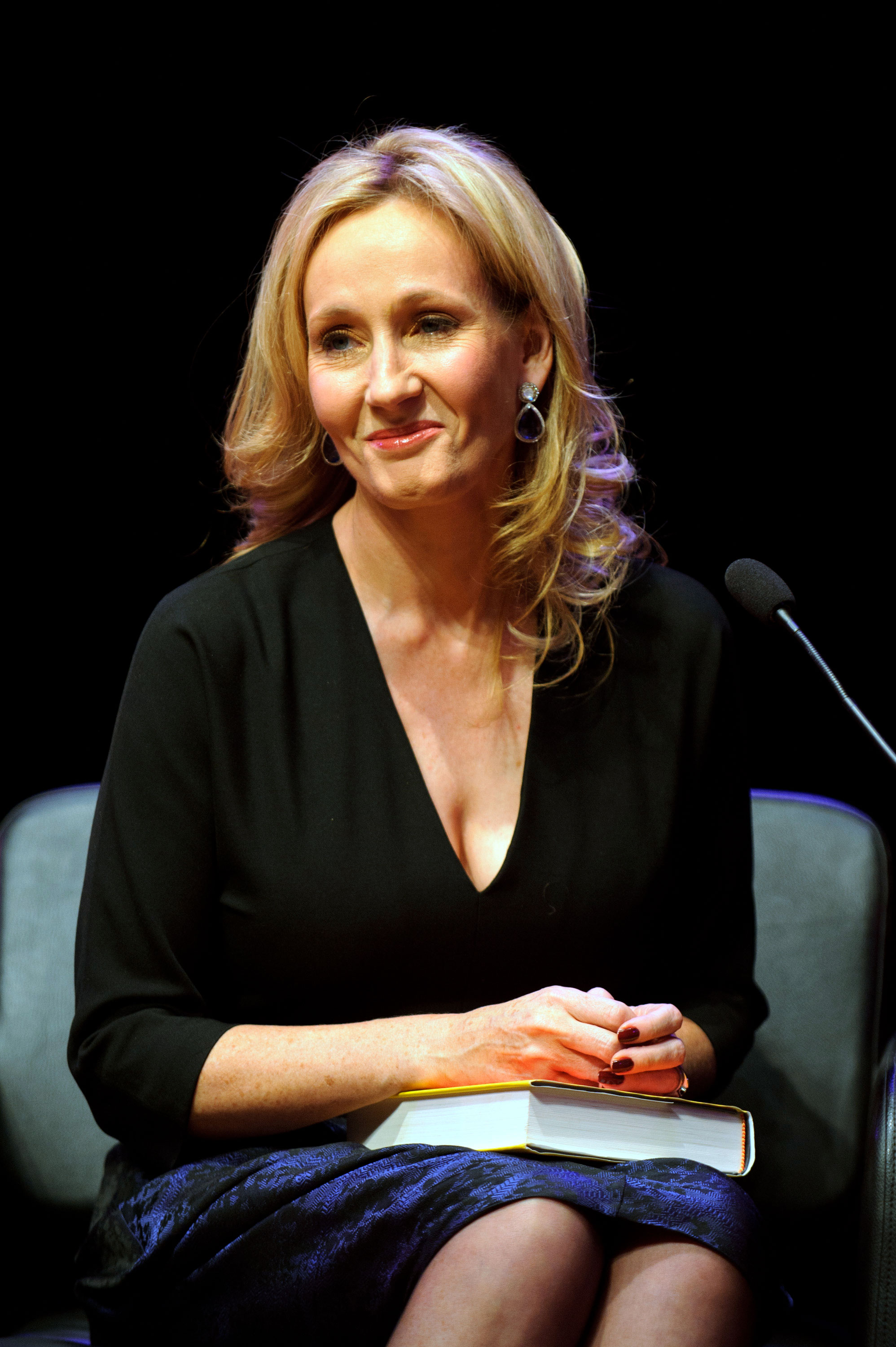 jk rowling a rise to fame essay Must read life lessons from the inspiring life story of jk rowling she lead a life of poverty and hardship before her meteoric rise to fame and success.