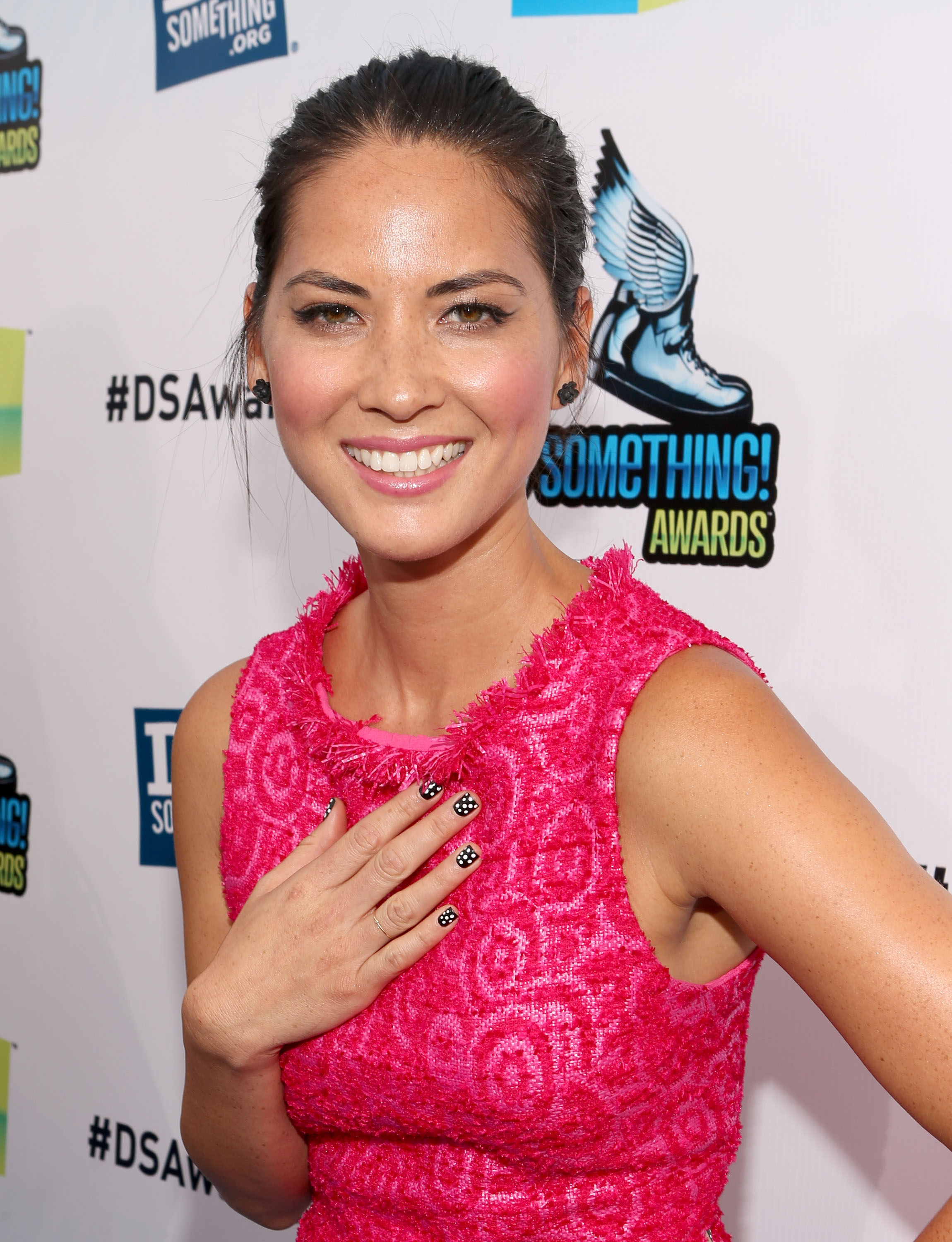 New Girl S Nick To Get With Olivia Munn Vulture