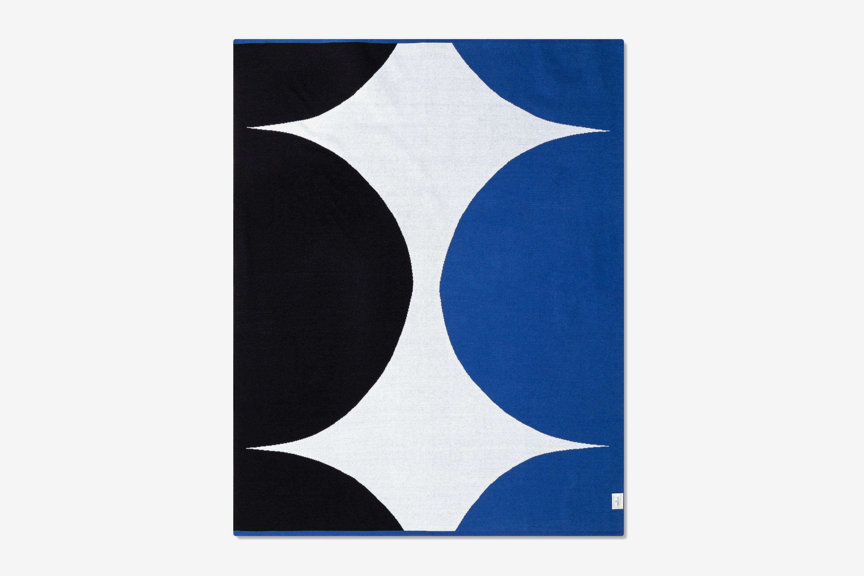 "Marimekko for Target 60""x50"" Throw Blanket Blue/Black"