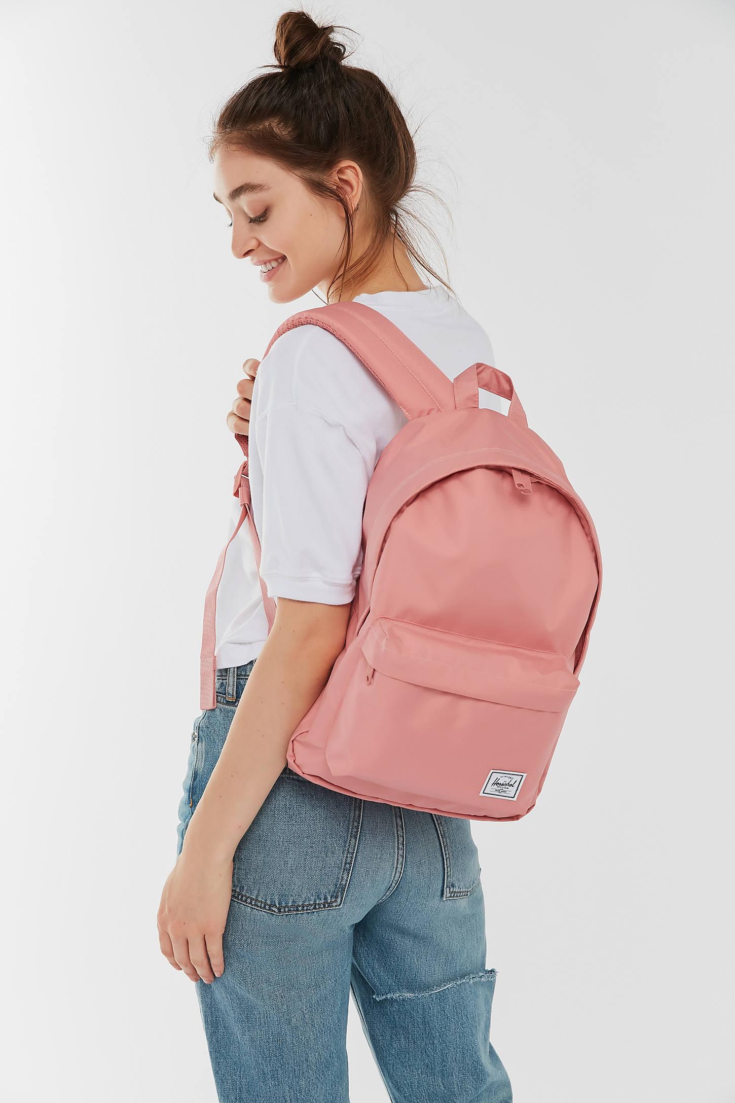 Herschel Supply Co. UO Exclusive Classic Mid-Volume Light Backpack