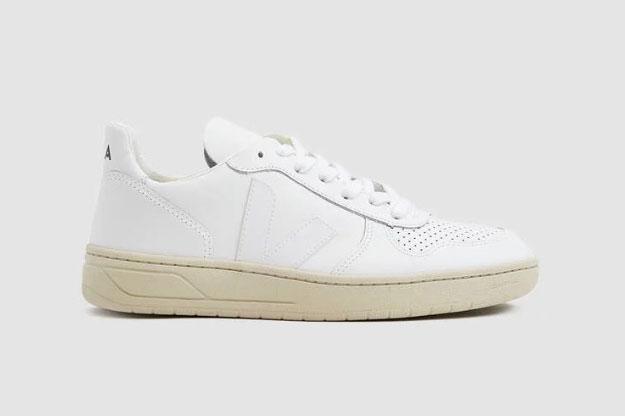 Veja V-10 Sneaker in Extra White