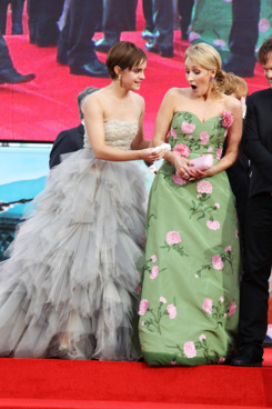 LONDON, ENGLAND - JULY 07: (UK TABLOID NEWSPAPERS OUT) Emma Watson and J.K Rowling attend the world premiere of Harry Potter and the Deathly Hallows Part 2 at Trafalgar Square on July 7, 2011 in London, England. (Photo by Dave Hogan/Getty Images)