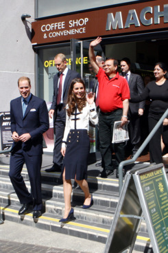 BIRMINGHAM, ENGLAND - AUGUST 19:  Prince William, Duke of Cambridge and Catherine, Duchess of Cambridge leave the Machan Express Coffee bar in the centre of Birmingham which was ransacked during the recent riots, on August 19, 2011 in Birmingham, England.  (Photo by David Jones - WPA Pool/Getty Images)