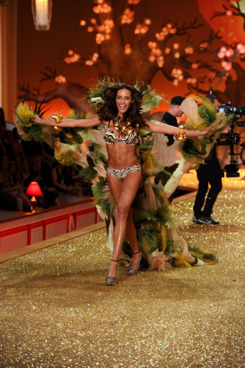 NEW YORK - NOVEMBER 10:  Model Selita Ebanks  walks the runway during the 2010 Victoria's Secret Fashion Show at the Lexington Avenue Armory on November 10, 2010 in New York City.  (Photo by Theo Wargo/Getty Images)