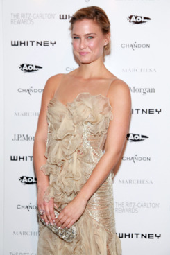 NEW YORK, NY - OCTOBER 05:  Bar Refaeli attends the 2011 Whitney Museum of American Art Gala at Hudson River Park's Pier 57 on October 5, 2011 in New York City.  (Photo by Astrid Stawiarz/Getty Images)