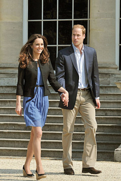 LONDON, ENGLAND - APRIL 30:  Prince William, Duke of Cambridge and Catherine, Duchess of Cambridge walk hand in hand from Buckingham Palace the day after their wedding to a waiting helicopter as they leave for a secret honeymoon location, on April 30, 2011 in London, England. The marriage of Prince William and Catherine Middleton was led by the Archbishop of Canterbury and was attended by 1900 guests, including foreign Royal family members and heads of state. Thousands of well-wishers from around the world have also flocked to London to witness the spectacle and pageantry of the Royal Wedding. (Photo by John Stillwell - WPA Pool/Getty Images)