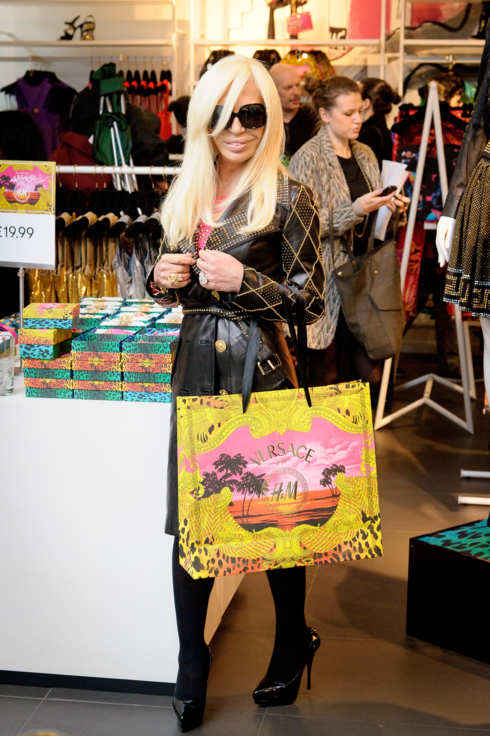 LONDON, UNITED KINGDOM - NOVEMBER 17: Donatella Versace attends the Versace for H&M launch in Regent Street on November 17, 2011 in London, England. (Photo by Nick Harvey/WireImage)