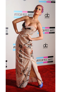 LOS ANGELES, CA - NOVEMBER 20: Katy Perry arrives at the 2011 American Music Awards held at Nokia Theatre L.A. Live on November 20, 2011 in Los Angeles, California. (Photo by Jeffrey Mayer/WireImage)