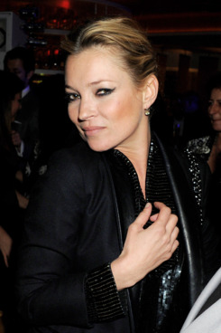 LONDON, ENGLAND - MARCH 16:  (EMBARGOED FOR PUBLICATION IN UK TABLOID NEWSPAPERS UNTIL 48 HOURS AFTER CREATE DATE AND TIME. MANDATORY CREDIT PHOTO BY DAVE M. BENETT/GETTY IMAGES REQUIRED)  Model Kate Moss attends the W London-Leicester Square premiere 'W London Calling' at W London-Leicester Square on March 16, 2011 in London, England.  (Photo by Dave M. Benett/Getty Images)
