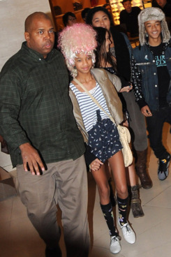 Willow Smith (C) and Jaden Smith (R)