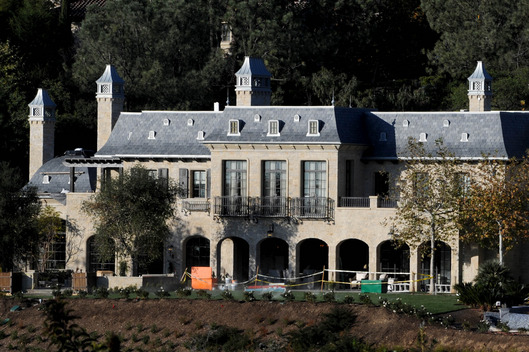om Brady and Gisele Bundchen's Brentwood mansion nears completion, LA.