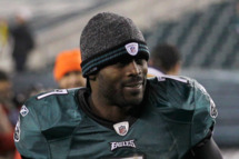 Michael Vick #7 of the Philadelphia Eagles jogs off the field following the Eagles 45-19 win over the New York Jets at Lincoln Financial Field on December 18, 2011 in Philadelphia, Pennsylvania.