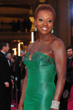 Actress Viola Davis arrives on the red carpet for the 84th Annual Academy Awards on February 26, 2012 in Hollywood, California. AFP PHOTO Frederic J. BROWN (Photo credit should read FREDERIC J. BROWN/AFP/Getty Images)