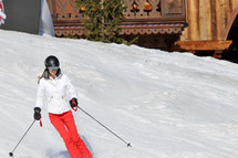 Prince William and Kate (Catherine) Middleton spend time together in the Alps slopes honing their winter sports skills.