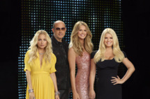 FASHION STAR -- Season: 1 -- Pictured: (l-r) Nicole Richie, John Varvatos, Elle Macpherson, Jessica Simpson -- Photo by: John Russo/NBC