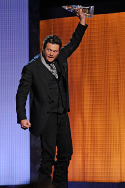 NASHVILLE, TN - NOVEMBER 10:  Blake Shelton reacts after winning the CMA Award for Best Male Vocalist at the 44th Annual CMA Awards at the Bridgestone Arena on November 10, 2010 in Nashville, Tennessee.  (Photo by Frederick Breedon/FilmMagic) *** Local Caption *** Blake Shelton
