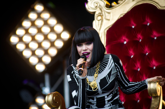 GLASTONBURY, ENGLAND - JUNE 25: Jessie J performs live on the other stage during the Glastonbury Festival at Worthy Farm, Pilton on June 25, 2011 in Glastonbury, England. The festival, which started in 1970 when several hundred hippies paid 1 GBP to attend, has grown into Europe's largest music festival attracting more than 175,000 people over five days.  (Photo by Ian Gavan/Getty Images)