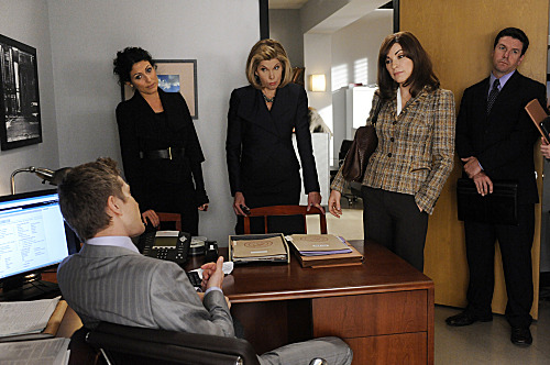 """Marthas and Caitlins""--When Alicia (Julianna Margulies, right) and Diane (Chrsitine Baranski, center) work on a case with Celeste Serrano (guest star Lisa Edelstein, left), they must present Cary (Matt Czuchry, sitting) with a deal for a jailed witness, on THE GOOD WIFE, Sunday, Oct. 23 (9:00-10:00 PM ET/PT) on the CBS Television Network. Photo: Jeffrey Neira/CBS ?'??2011 CBS Broadcasting Inc. All Rights Reserved."