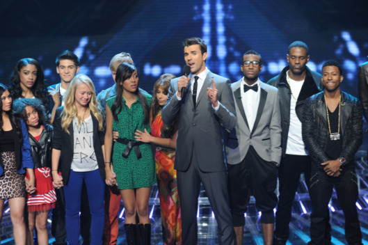 THE X FACTOR: Steve Jones and Paula Abdul joing inTENsity and Stereo Hogzz on THE X FACTOR Thursday, Nov. 3 (8:00-9:00 PM ET/PT) on FOX CR: Ray Mickshaw / FOX.