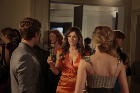 """'I Am Number Nine"" GOSSIP GIRL Pictured (L-R) Chace Crawford as Nate Archibald, Elizabeth Hurley as Diana Payne and Kaylee DeFer as Charlotte 'Charlie'  Rhodes PHOTO"