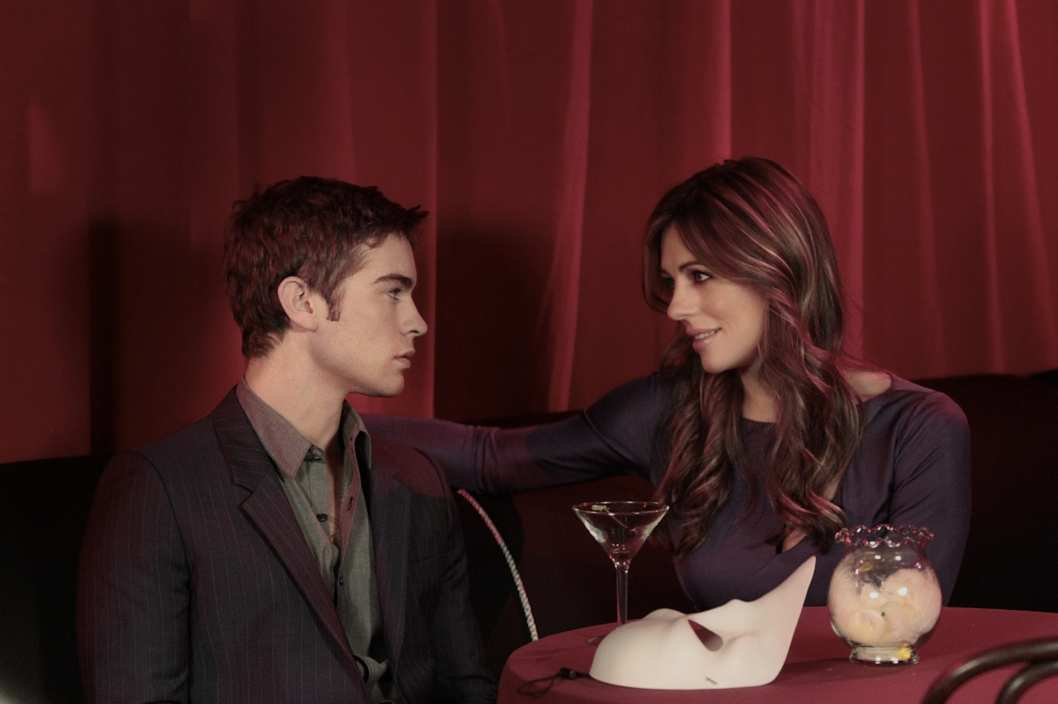 """The Big Sleep No More""GOSSIP GIRL Pictured (L-R)  Chace Crawford as Nate Archibald and Elizabeth Hurley as Diana PaynePHOTO CREDIT: GIOVANNI RUFINO/©2011 The CW Network, LLC. All Rights Reserved"