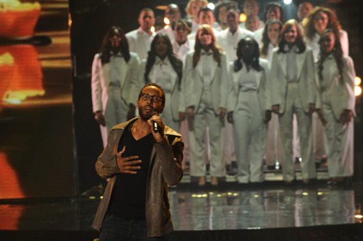 THE X FACTOR: Top 9 Perform: LeRoy Bell performs in front of the judges on THE X FACTOR airing on Tuesday, Nov. 22 (8:00-10:00pm PM ET/PT) on FOX. CR: Ray Mickshaw / FOX.