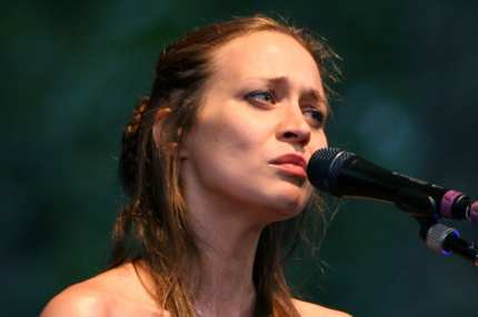 NEW YORK - AUGUST 14:  Musician Fiona Apple performs live with Nickel Creek at Rumsey Playfield in Central Park August 14, 2007 in New York City.  (Photo by Scott Wintrow/Getty Images) *** Local Caption *** Fiona Apple