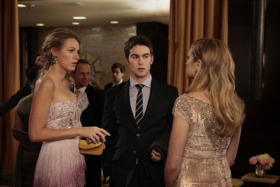 """Riding In Town Cars With Boys""GOSSIP GIRLPictured (L-R) Blake Lively as Serena Van Der Woodsen, Chace Crawford as Nate Archibald and Kaylee DeFer asCharlotte 'Charlie' RhodesPHOTO CREDIT:  GIOVANNI RUFINO/THE CW© 2011 THE CW Network, LLC.  All Rights Reserved."