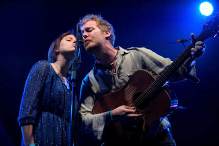 INDIO, CA - APRIL 16:  Musicians Marketa Irglova and Glen Hansard of The Swell Season perform during Day 2 of the Coachella Valley Music & Arts Festival 2011 held at the Empire Polo Club on April 16, 2011 in Indio, California.  (Photo by Charley Gallay/Getty Images) *** Local Caption *** Marketa Irglova;Glen Hansard