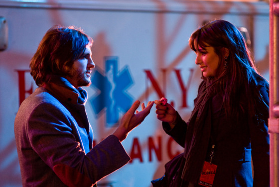 (L-r) ASHTON KUTCHER as Randy and LEA MICHELE as Elise in New Line Cinema&rsquo;s romantic comedy &ldquo;NEW YEAR&rsquo;S EVE,&rdquo; a Warner Bros. Pictures release.Photo by Andrew Schwartz