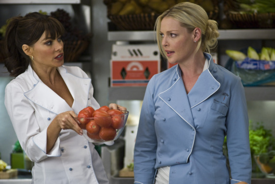 "(L-r) SOFIA VERGARA as Ava and KATHERINE HEIGL as Laura in New Line Cinema's romantic comedy ""NEW YEAR'S EVE,"" a Warner Bros. Pictures release."
