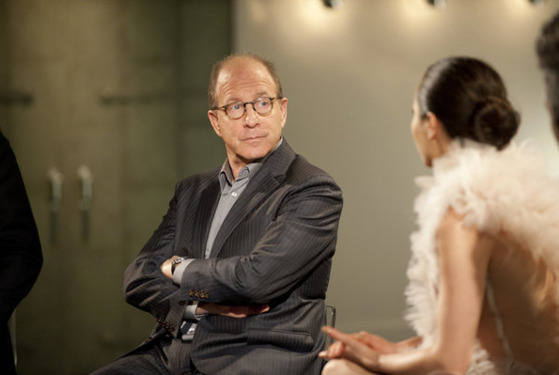 "WORK OF ART: THE NEXT GREAT ARTIST -- ""Exile on Main Street"" Episode 209 -- Pictured: (l-r) Jerry Saltz, China Chow -- Photo by: David Giesbrecht /Bravo"