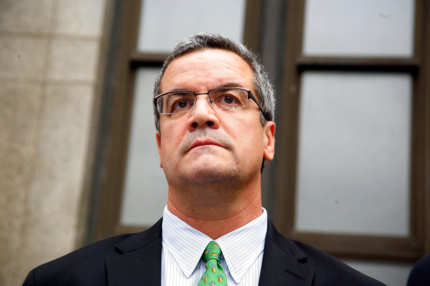 NEW YORK - NOVEMBER 10:  Robert Halderman looks on as his attorney addresses the media following a hearing for the alleged blackmailing of David Letterman at the New York State Supreme Court on November 10, 2009 in New York City.  (Photo by Andy Kropa/Getty Images) *** Local Caption *** Robert Halderman