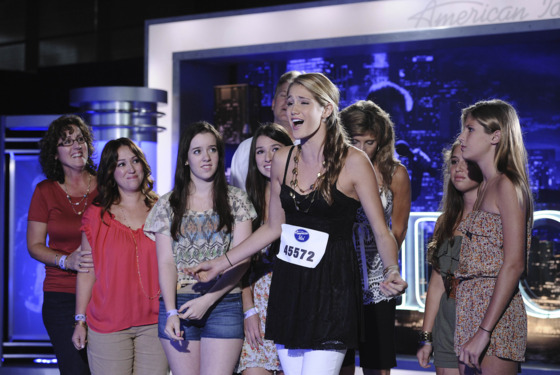 AMERICAN IDOL: Contestant Shannon Magrane, with her family on AMERICAN IDOL airing Wednesday, Jan. 18 (8:00-10:00 PM ET/PT) on FOX. CR: Michael Becker / FOX.