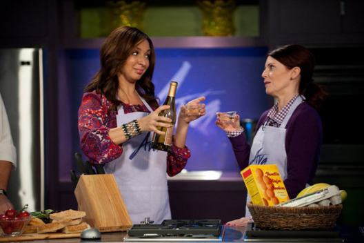"UP ALL NIGHT -- ""Rivals"" Episode 112 -- Pictured: (l-r) Maya Rudolph as Ava, Megan Mullally as Shayna."