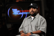 "NEW YORK - AUGUST 18:  Hip-Hop Artist Ice Cube visits fuse Studios on August 18, 2010 in New York City to tape an episode of ""Fuse Top 20 Countdown"" that will air 8/20/2010.  (Photo by Jason Kempin/Getty Images) *** Local Caption *** O'Shea Jackson"