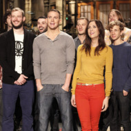"SATURDAY NIGHT LIVE -- Episode 1611 ""Channing Tatum"" -- Pictured: (l-r) Bon Iver, Channing Tatum, Kristen Wiig -- Photo by: Dana Edelson/NBC"