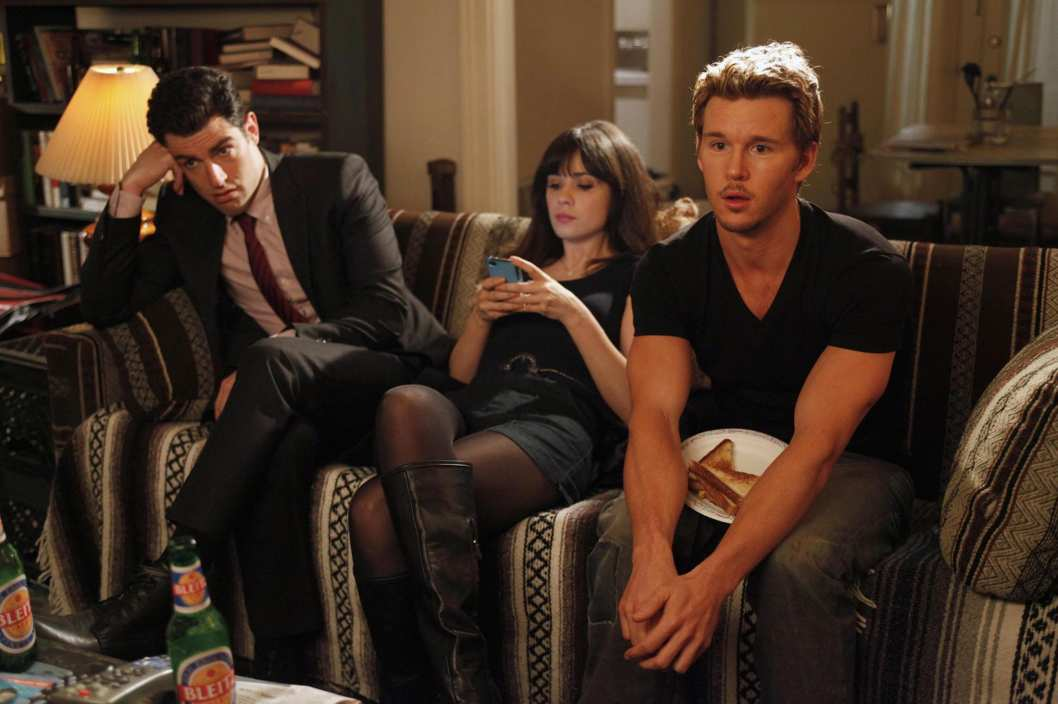 "NEW GIRL:  Jess (Zooey Deschanel, C) meets Oliver (guest star Ryan Kwanten, R) when she goes out on Valentne's Day looking for an attachment-free fling in the ""Valentine's Day"" episode of NEW GIRL airing Tuesday, Feb. 14 (9:00-9:31 PM ET/PT) on FOX.  Also pictured:  Max Greenfield (L)."