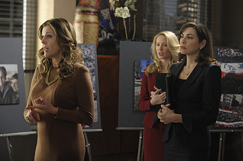 """Live From Damascus""--Caitlin (Anna Camp, center) helps Alicia (Julianna Margulies, right)as she presents the firm\'s case against a software company being represented by Viola Walsh (Rita Wilson), on THE GOOD WIFE, Sunday,Feb. 19 (9:00-10:00 PM ET/PT) on the CBS Television Network. Photo: Jeffrey Neira/CBS ?'??2012 CBS Broadcasting, Inc. All Rights Reserved"