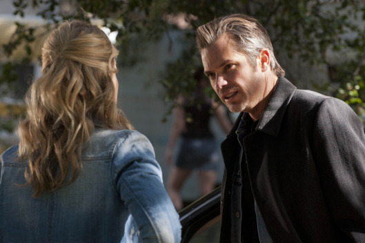 JUSTIFIED: Episode 6: When the Guns Come Out (Airs February 21, 10:00 pm e/p). Pictured L-R: Joelle Carter and Timothy Olyphant.