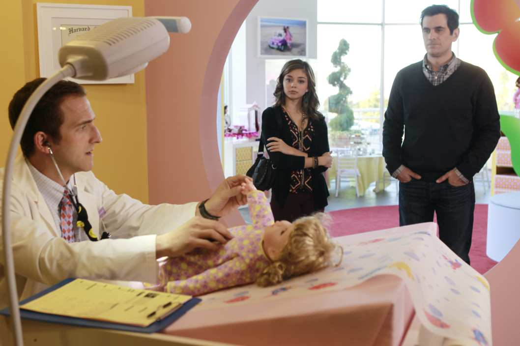 "MODERN FAMILY - ""Virgin Territory"" - It's a day of disturbing realizations when Mitchell manages to ruin one of Jay's proudest golf moments, Phil overhears something that may forever change how he sees his little girl, and Gloria stumbles upon Claire's dangerous little secret, on ""Modern Family,"" WEDNESDAY, FEBRUARY 22 (9:00-9:31 p.m., ET), on the ABC Television Network"