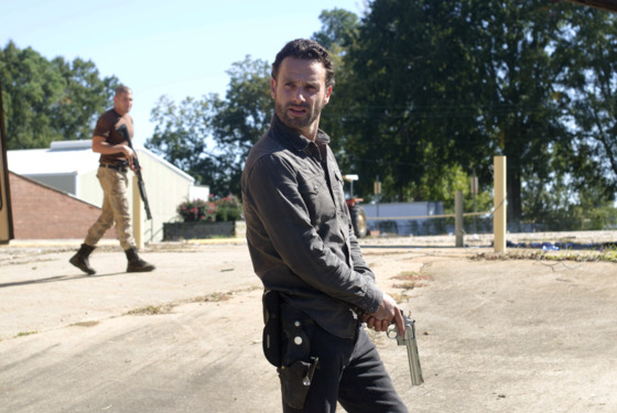 Shane Walsh (Jon Bernthal) and Rick Grimes (Andrew Lincoln) - The Walking Dead - Season 2, Episode 10 - Photo Credit: Gene Page/AMC