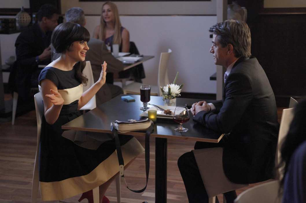 "NEW GIRL:  Jess (Zooey Deschanel, L) and Russell (guest star Dermot Mulroney, R) enjoy their first date in the ""Fancyman (Pt. 2)"" episode of NEW GIRL airing Tuesday, March 27 (9:00-9:30 PM ET/PT) on FOX."
