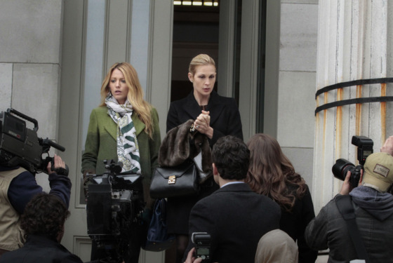 "Gossip Girl ""Despicable B"" Pictured (L-R): Blake Lively as Serena Van Der Woodsen and Kelly Rutherford as Lily Van Der Woodsen PHOTO CREDIT: GIOVANNI RUFINO / THE CW ©2011 THE CW NETWORK. ALL RIGHTS RESERVED"