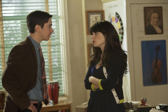 "NEW GIRL:  Jess (Zooey Deschanel, R) is surprised by what Paul (guest star Justin Long, L) tells her in the ""Backslide"" episode of NEW GIRL airing Tuesday, May 1 (9:00-9:31 PM ET/PT) on FOX.  ©2012 Fox Broadcasting Co.  Cr:  Isabella Vosmikova/FOX"