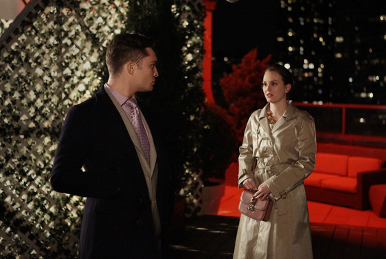 """The Return of the Ring"" GOSSIP GIRL Picture (L-R) Ed Westwick as Chuck Bass and Leighton Meester as Blair Waldorf PHOTO CREDIT:  GIOVANNI RUFINO/©2012 The CW Network, LLC. All Rights Reserved"
