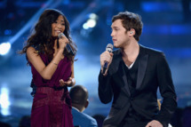 "LOS ANGELES, CA - MAY 23:  Finalists Jessica Sanchez (L) and Phillip Phillips perform onstage during Fox's ""American Idol 2012"" results show at Nokia Theatre L.A. Live on May 23, 2012 in Los Angeles, California.  (Photo by Mark Davis/Getty Images)"