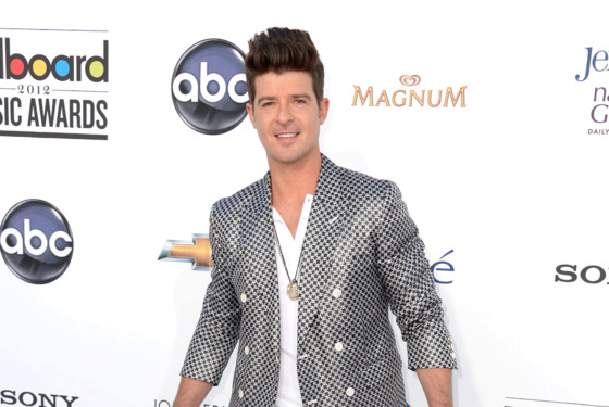 LAS VEGAS, NV - MAY 20:  Singer Robin Thicke arrives at the 2012 Billboard Music Awards held at the MGM Grand Garden Arena on May 20, 2012 in Las Vegas, Nevada.  (Photo by Frazer Harrison/Getty Images for ABC)